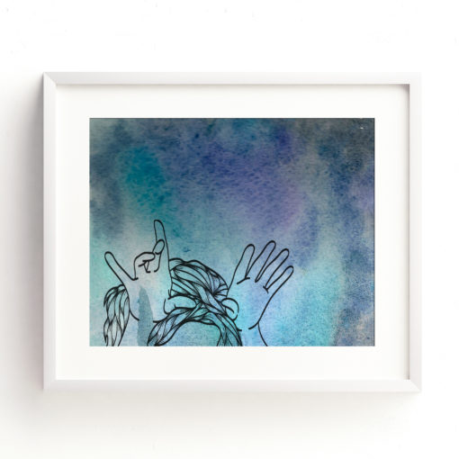 girl_hand_antlers